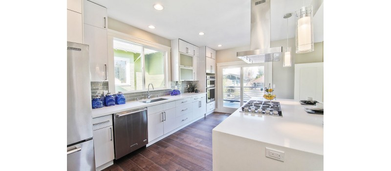7 White Kitchen Cabinet Ideas to Enliven Your Kitchen