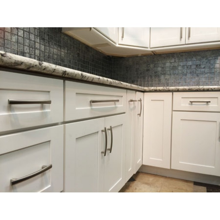 White shaker white shaker cabinets white kitchen for White shaker rta kitchen cabinets