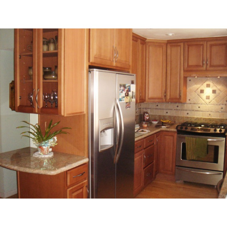 Frosted beech honey cabinets cinnamon kitchen cabinets for Beech kitchen wall cupboards