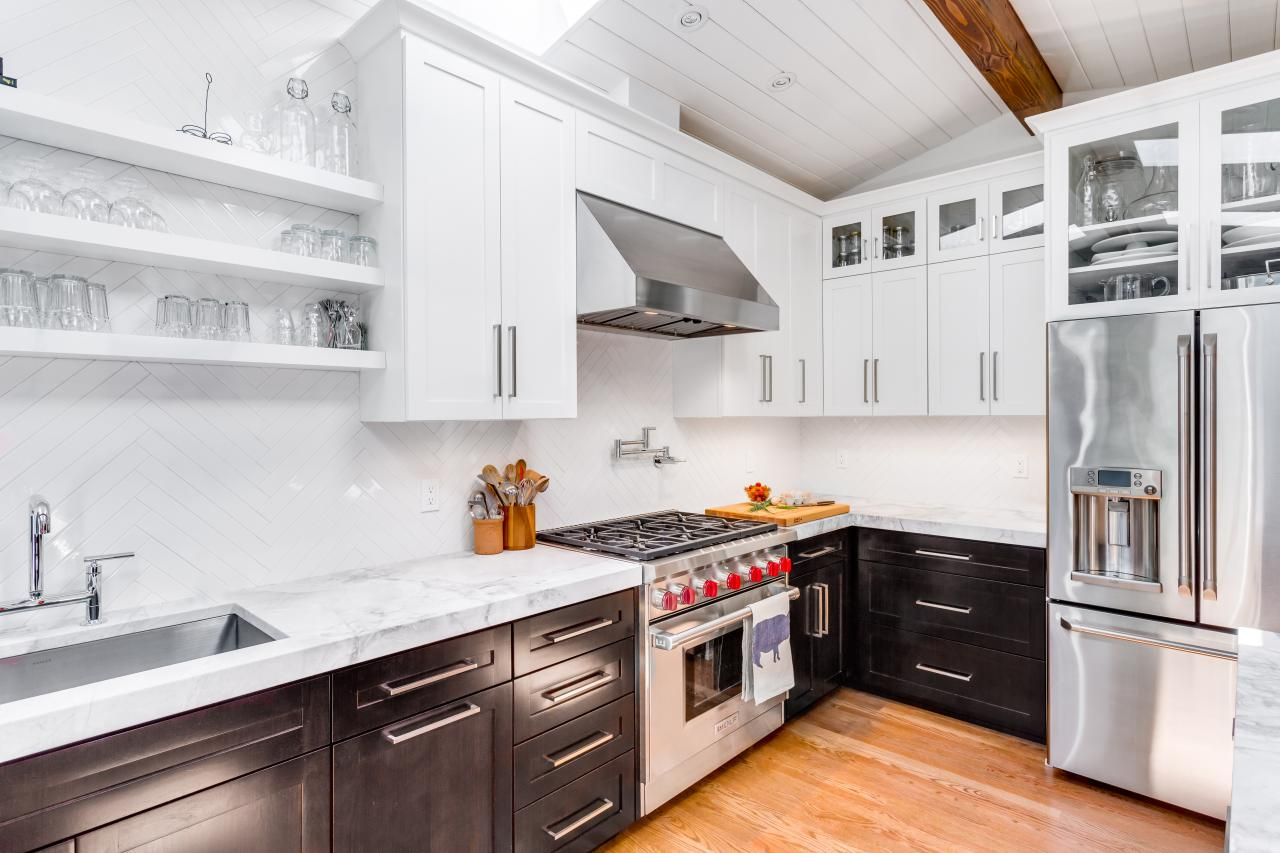 How Can White Kitchen Cabinets Add Elegance To Your Kitchen