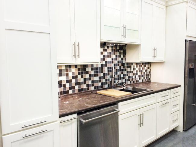 Create Your Dream Kitchen With Eco-Friendly White Kitchen Cabinets
