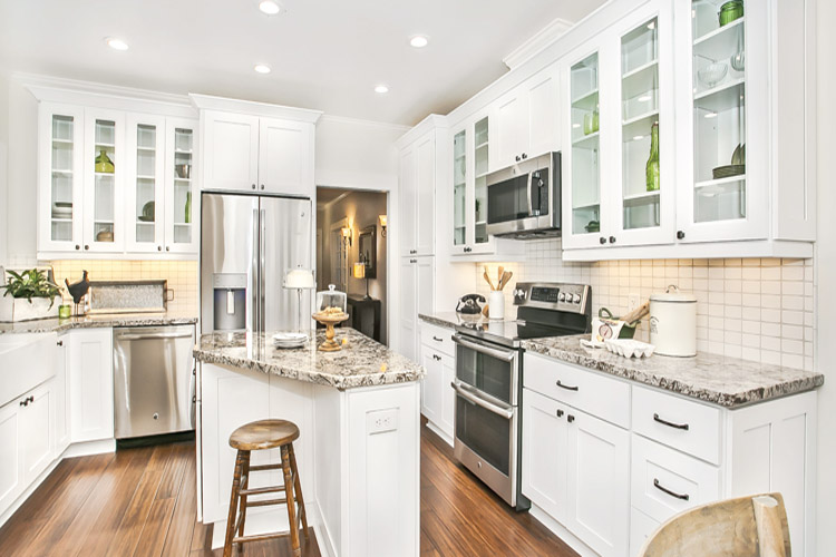 7 Amazing Tips For Decorating A Small Kitchen With White Shaker Cabinets