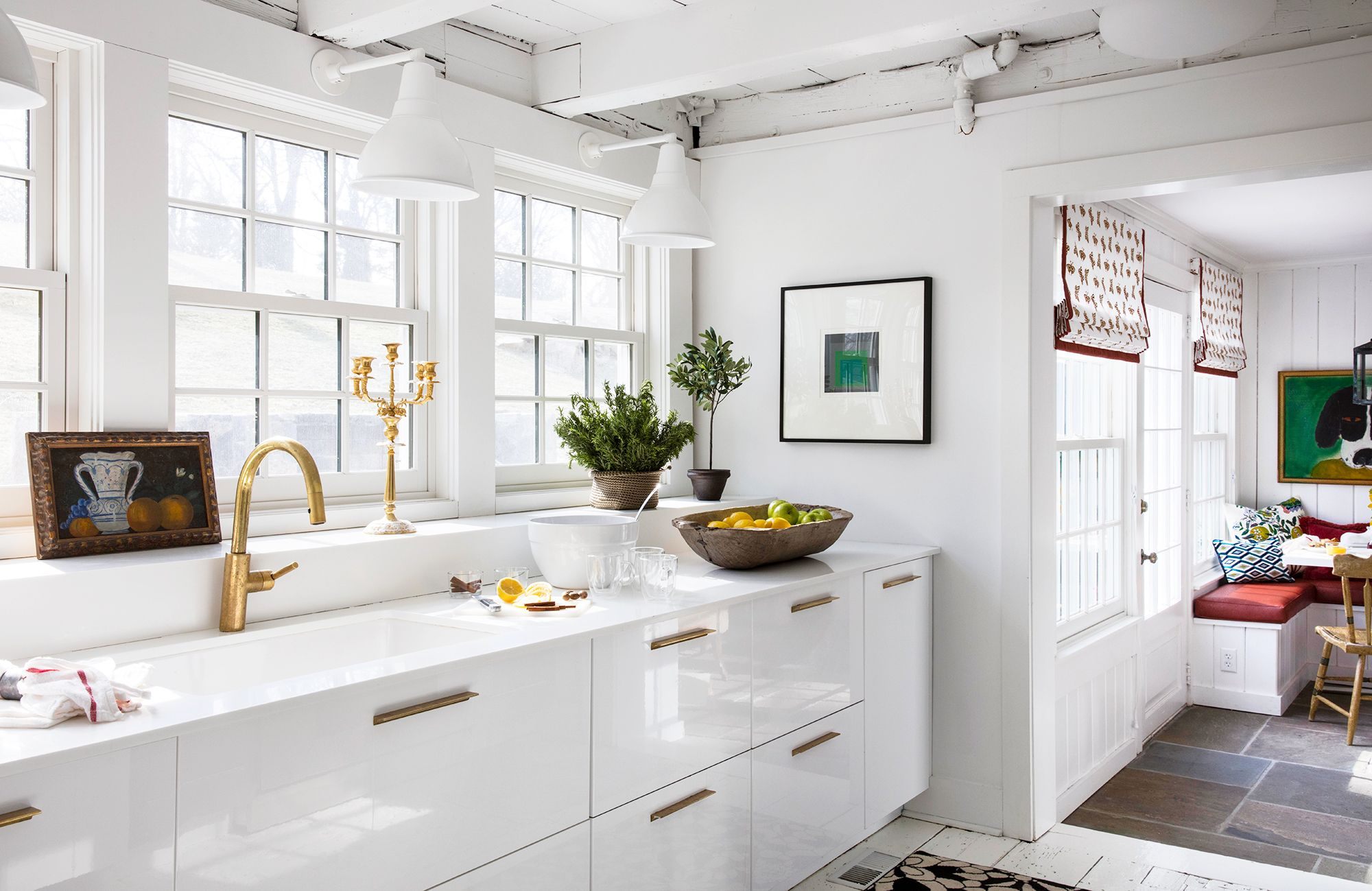 10 Modern White Kitchen Ideas To Look For In 2020